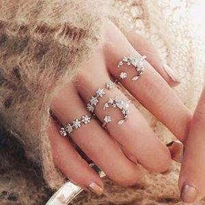 Jewelry - ✨Celestial Moon and Stars Midi Ring Set✨